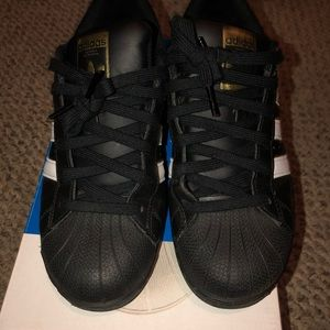 Adidas Superstars **Includes Box!!**